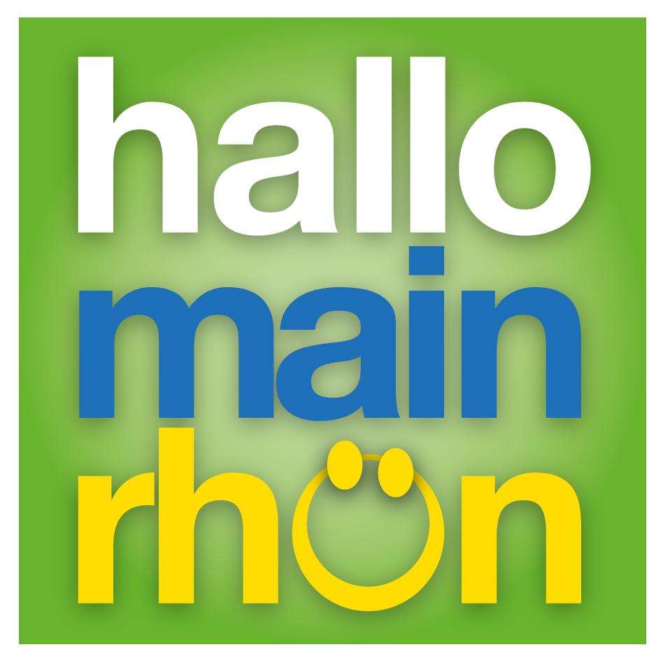 Hallo Main Rhön Logo - weißer, blauer und gelber Schriftzug mit grünen Hintergrund